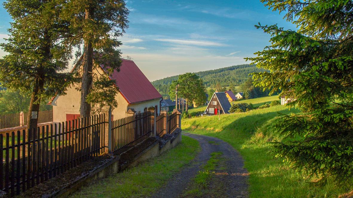 Ortseingang von Cerny Potok (Pleil). Foto: Chris Bergau