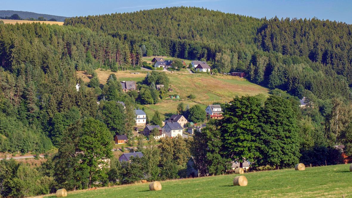 Der kleine Ort Hopfgarten im Tal der Zschopau. Foto: Chris Bergau